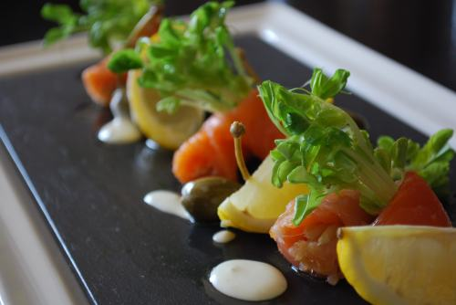 Salmon herb platter