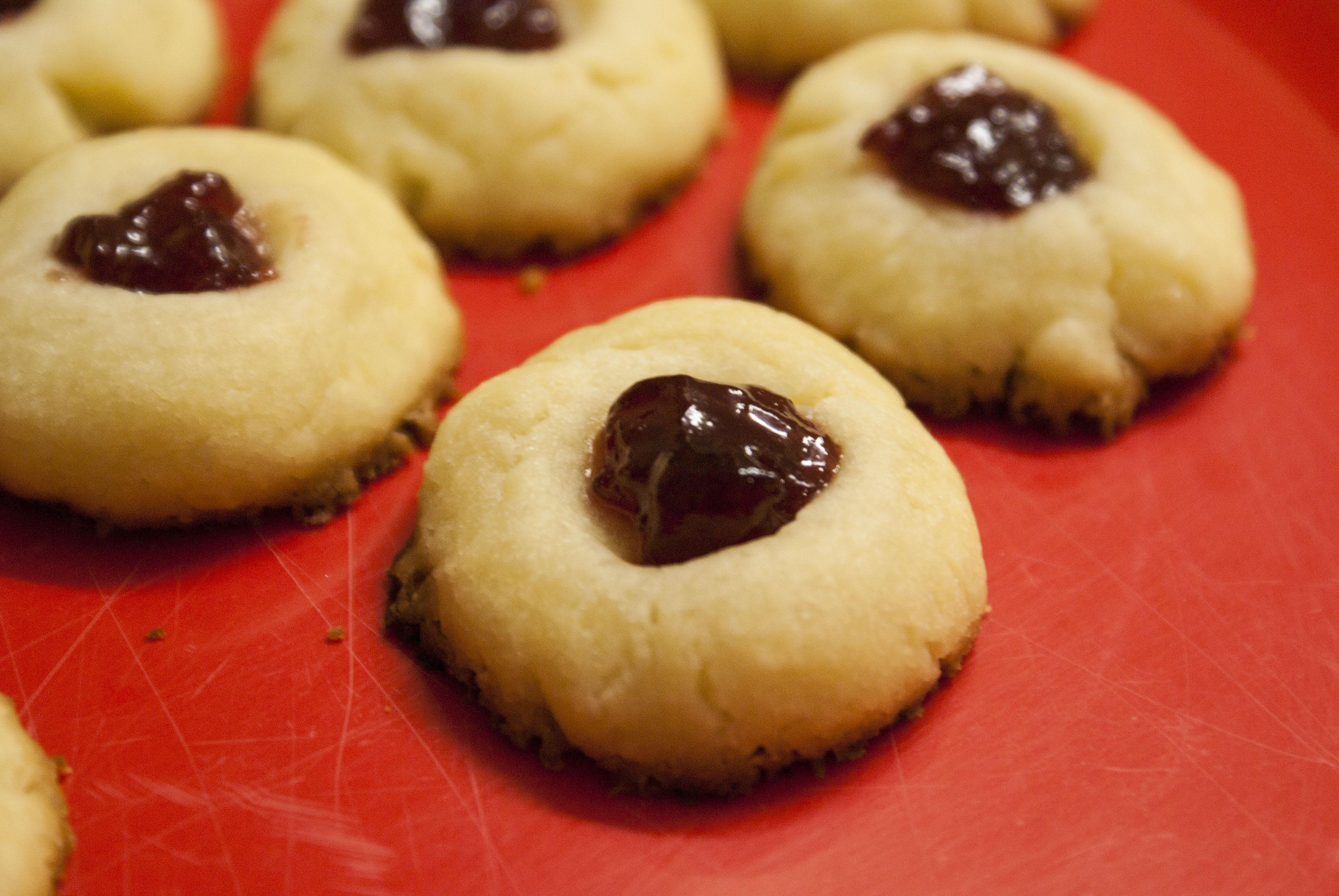 Jam thumbprint cookies – just 4 ingredients!
