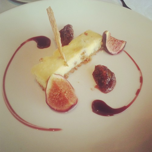 99. Almond and fig cheesecake