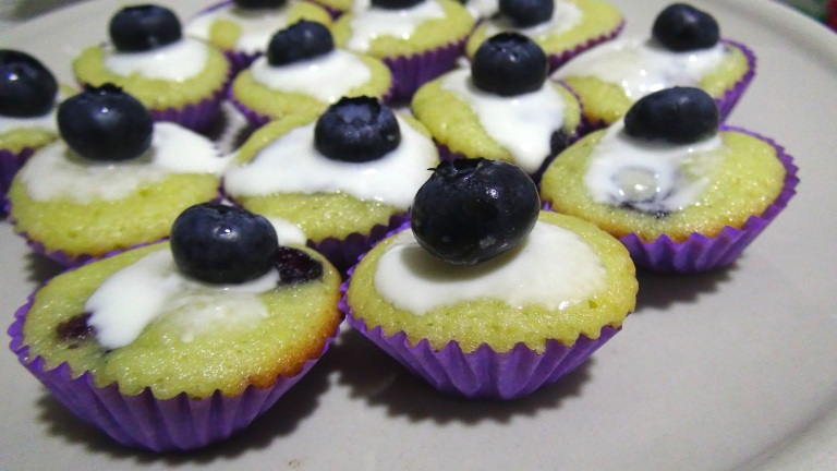 Blueberry cupcakes 6